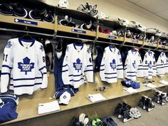 The Toronto Maple Leafs - the best team in the best sport on the planet! Hockey Teams, Ice Hockey, Hockey Players, Towel Girl, Nhl News, Nhl Games, National Hockey League, Toronto Maple Leafs, Montreal