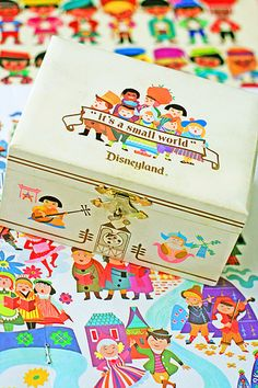 "Small World Jewelry Box Vintage Disneyland ""it's a small world"" Souvenir Jewelry Box Deco Disney, Disney Fun, Disney Magic, Disney Parks, Disney Movies, Walt Disney, Disney Stuff, Disney College, Disney Pixar"