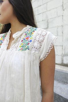 Gauze Blouse Mexican embroidered Top Blouse//Mexican tunic