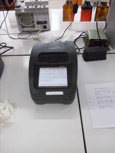 DR2800 de Hach Lange Spectrocolorimétrie. Programmes pré-enregistrés avec ou sans code barre et programmes utilisateur