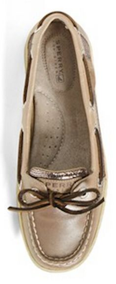 Cute Sperry Topsiders  http://rstyle.me/n/swbwwnyg6