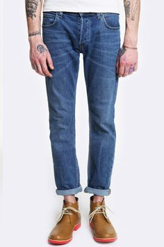 Urban Outfitters - Lee Powell Mid Worn Jeans
