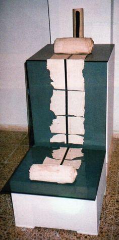 "İrfan Aydın /Tur/  ""Installation"" 9 Eylul Universty Ceramic Symposium 1997 (Erdinç Bakla archive)"