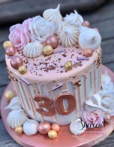29th Birthday Cakes, 16th Birthday Cake For Girls, Birthday Cake Roses, White Birthday Cakes, Bithday Cake, Adult Birthday Cakes, Bachlorette Party Cake, Mom Cake, Birthday Cake Decorating
