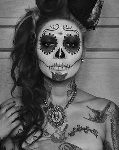 Dia de Los Muertos // Day of the Dead sugar skull face paint makeup
