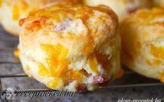 Túrós – baconos pogácsa egyszerűen recept fotóval