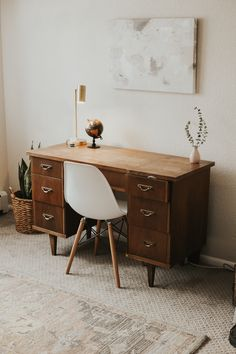 Modern vintage office space – Home Office Design Layout Workspace Inspiration, Home Decor Inspiration, Decor Ideas, 31 Ideas, Home Office Design, Home Office Decor, Office Ideas, Cool Office Space, Cozy Office