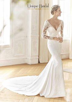 Trouwjurken met sleep. La Sposa (Pronovias Fashion Group) trouwjurk model Baile Lace Wedding, Wedding Dresses, Fashion Group, The Dress, Marriage, Bridal, Unique, More, Deco
