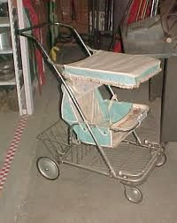 Vintage baby stroller Oh my goodness! I had one, very much like this one, and strolled my dollies around in it all the time. Big blast from the past. Vintage Pram, Vintage Toys, Retro Vintage, Vintage Stroller, Vintage Heart, Retro Toys, Vintage Stuff, My Childhood Memories, Sweet Memories