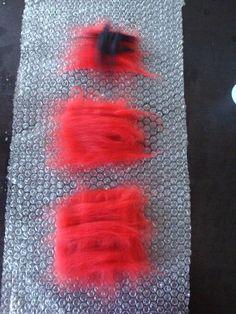 Felt Wool Flowers () Tutorial – Source by supermamamoi Diy Clay, Clay Crafts, Felt Crafts, Fabric Crafts, Diy And Crafts, Nuno Felting, Needle Felting, Felt Flowers, Fabric Flowers