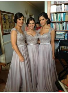 2014 Sexy Silver Bridesmaid Dresses Lace Sequins Beads Cap Sleeves V-Neck Chiffon Brides maid Dress BO2673