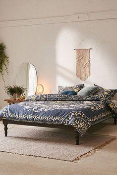 Iris Sketched Floral Comforter
