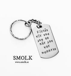 Halsband med handstansad bricka sv rostfritt stål i id-modellStorlek   48x26  mm sagt nyckelring 6b7776e4ad244