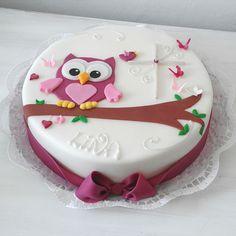 Konfirmation, Kommunion - Celebration cakes for women, Party organization ideas, Party plannig business Owl Cake Birthday, Birthday Cakes For Women, Bolo Fondant, Fondant Cakes, Cake Decorating Techniques, Cake Decorating Tips, Pretty Cakes, Cute Cakes, Bolo Fack