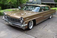 The midpoint of Lincoln's model lineup in 1959 was the Premiere, which was offered in three body styles, the fewest number being the 1,282 four-door sedans produced, including this 1959 Lincoln...