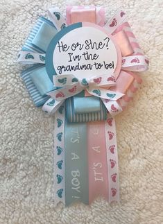 Items similar to MEDIUM Gender Reveal Ribbon Corsage / Grandma To Be Corsage / Mommy to Corsage / Aunt To Be Pin / Gender Reveal Button / Gender Reveal Pin on Etsy Gender Reveal Party Decorations, Baby Gender Reveal Party, Gender Party, Baby Shower Decorations, Frozen Baby Shower, Distintivos Baby Shower, Baby Showers, Reveal Parties, Baby Party