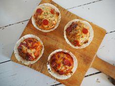 Indeholder reklame (affliate links)     Så er det blevet søndag og dermed tid til at dele en lille opskrift med jer. Disse pizza muffins er lynhurtigt blevet meget populære herhjemme og jeg har allerede bagt dem en del gange. De er perfekte både i madpakken, til turer ud af huset eller bare ....