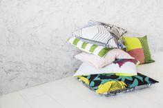 ÅTERSTÄLLA collectie | IKEA IKEAnl IKEAnederland inspiratie wooninspiratie interieur wooninterieur ÅTERSTÄLLA kussens kussen textiel decoratie accessoires accessoire vrolijk prints print