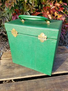 Vintage Disk-go-case 45 Rpm Record Storage Holder With Handle Nice 1970 Green. Music