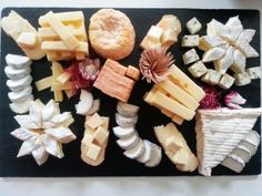 Planches & Plateaux de Fromages - Stéphane et les fromages ♥ fromage ♡ cheese ♡ Käse ♡ formatge ♡ 奶酪 ♡ 치즈 ♡ ost ♡ queso ♡ τυρί ♡ formaggio ♡ チーズ ♡ kaas ♡ ser ♡ queijo ♡ сыр ♡ sýr ♡ קעז ♥ Meat And Cheese, Wine Cheese, Cheese Platters, Antipasto, Plateau Charcuterie, Charcuterie And Cheese Board, Cake Ingredients, Homemade Taco Seasoning, Recipes