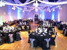 La région moulinoise vous offre des salles exceptionnelles pour la tenue d'un événement aussi important que votre mariage.