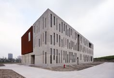Administration Building of the North Shanghai Gas Company in Jiading / Atelier Deshaus (7)