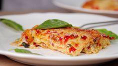 Φτιάχνουμε τα αγαπημένα ζυμαρικά με πιπεριές, Arla Φρέσκο Τυρί Κρέμα με Μυρωδικά, που τους δίνει ξεχωριστή νοστιμιά, περιχύνουμε με μια σάλτσα φρέσκιας ντομάτας και τα πασπαλίζουμε με Arla Regato τριμμένο, που κάνει μια τέλεια κρούστα.