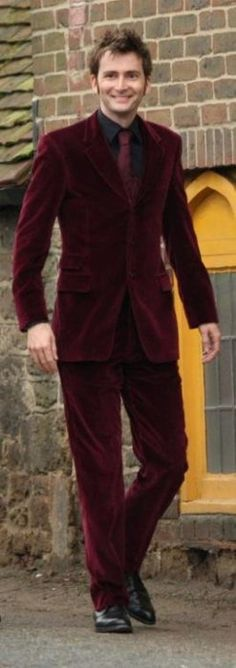 David Tennant at Billie Piper's wedding (New Years Eve, 2007) Wearing a red velvet suit. Otherwise known as David Tennant, the red velvet mancake. :D You have to hand it to that man and his fashion choices, sometimes. lol