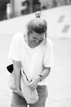 tifmys - FunktionSchnitt shirt, Zara knitted clutch & Levi´s vintage shorts.