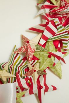 Paper star wreath DIY