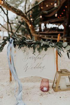 """Barefoot wedding"" sign | Image by Melissa Marshall"