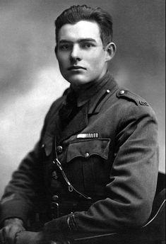 Ernest Hemingway en su juventud