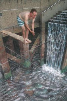 To Dive, or Not To Dive ~U.K. artist Julian Beever and German artist Edgar Mueller...their incredible 3D sidewalk chalk murals are truly amazing and so realistic! These optical illusions use perspective to seem extremely convincing when seen from the right angle.