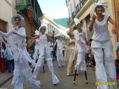 Jardim giganteria. Jardim é a obra do espetáculo do grupo de teatro de rua de Havana Giganteria, primeiro teatro independente de Havana