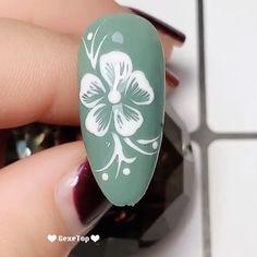 Nails for teens 10 Beautiful Flower Nail Art Ideas - Nails Design Tutorials Videos Nail Art Designs Videos, Nail Art Videos, Cute Nail Designs, Acrylic Nail Designs, Acrylic Nails, Design Tutorials, Gelish Nails, Manicures, Nail Art Simple