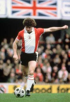 Kevin Keegan of Southampton in Retro Football, Football Soccer, Football Shirts, Southampton Football, Southampton Fc, Emlyn Hughes, Kevin Keegan, Hamburger Sv, Laws Of The Game