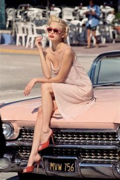 """She Drove A Pink Cadillac """"Who's that Lady?"""" """" All I remember is that she was so fucking hot and she drove a pink Cadillac!"""" She Drove A Pink Cadillac """"Who's that Lady?"""" """" All I remember is that she was so fucking hot and she drove a pink Cadillac! Cadillac Ats, Pink Cadillac, Rosa Cadillac, Cadillac Eldorado, Cadillac Escalade, Cadillac Fleetwood, Moda Vintage, Vintage Girls, Vintage Pink"""