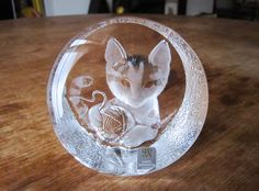 Vintage Mats Jonasson Crystal Paperweight Kitten door VScollectibles