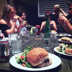 Families who eat together... Happy #NationalBurgerDay 🍔 ! #teamlunch #WMHagency…