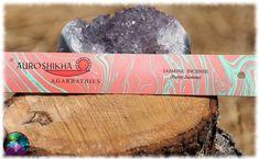Un encens équitable de qualité produit par la célèbre société Auroshikha, un bonheur olfactif associé à la garantie d'un produit naturel et de qualité.