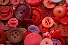 (via buttons, collection, red - inspiring picture... - 2wistedthoughts