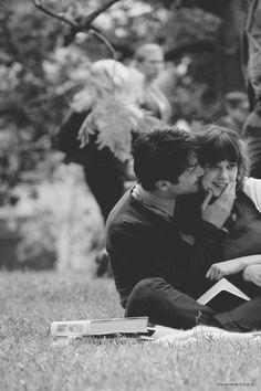 """""""Hoje eu acordei com uma vontade enorme de olhar no fundo dos seus olhos e te pedir perdão. Por tudo que eu falei sobre o amor, sobre nós dois ou sobre o mundo. As vezes eu perco a razão. É que eu não reparei quando você me protegia em silêncio. E eu não soube expressar o meu carinho, o meu amor em palavras de novela. Mas quando a gente cresce a gente aprende a dar valor a quem está perto."""" — Detonautas."""