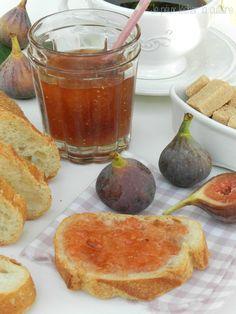 confiture figue Pour 6 pots :  1,5 kg de figues une fois préparées 1 kg de sucre 1 citron bio Good Food, Yummy Food, Jam And Jelly, Eat Lunch, Dinner Salads, Jam Recipes, Corsica, Brunch, Pudding