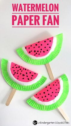 Easy Paper Fan Watermelon Craft for Kids using frugal supplies you already have on hand! Perfect for a summertime craft, rainy day or party craft! for kids easy preschool Easy Paper Fan Watermelon Craft for Kids Crafts For Teens To Make, Easy Arts And Crafts, Spring Crafts For Kids, Diy For Kids, Diy And Crafts, Decor Crafts, Preschool Summer Crafts, Arts And Crafts For Kids Easy, Summer Arts And Crafts