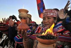 A Bolívia celebra neste sábado (21/6/2014) o ano novo do calendário aymara, que existe há mais de 5.200 anos. Nesta data, que coincide com o início do inverno, sacerdotes da nação indígena esperam o nascer do sol com ritos ancestrais de agradecimentos à Pachamama (mãe terra) e será realizado em Tiwanaku e Samaipata, constituindo-se em um evento da Amazônia andina, que contará com a presença do presidente Evo Morales e outros funcionários do Estado bem como representantes diplomáticos.