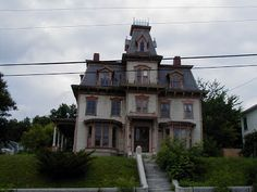 Sitting on the Porch: Victorian houses