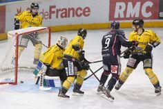 ... ce sont bien les Ducs qui marquent à nouveau, par l'intermédiaire d'Eric Fortier. (Photo: Thierry Bonnet/Ville d'Angers)