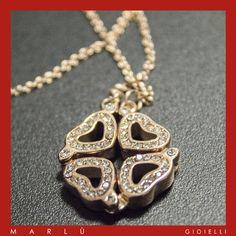 Collana in acciaio rosè con cuori con zirconi bianchi. #MYLUCK   Steel rosè necklace with hearts with white zircons. #MYLUCK
