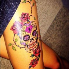In at the moment's put up we're going to current you with a sequence of pictures with cranium tattoos. Skull Candy Tattoo, Skull Thigh Tattoos, Mexican Skull Tattoos, Skull Rose Tattoos, Skull Girl Tattoo, Skull Tattoo Design, Flower Tattoo Designs, Tattoo Girls, Leg Tattoos