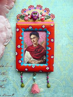Little Frida Kahlo shrine by filzgood Mexican Crafts, Mexican Folk Art, Frida Art, Mexico Style, Tin Art, Arte Popular, Assemblage Art, Religious Art, Alters